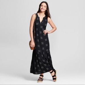 Universal Thread Black Boho Print Maxi Dress